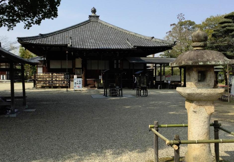 奈良県奈良市 癌封じ寺大安寺の境内