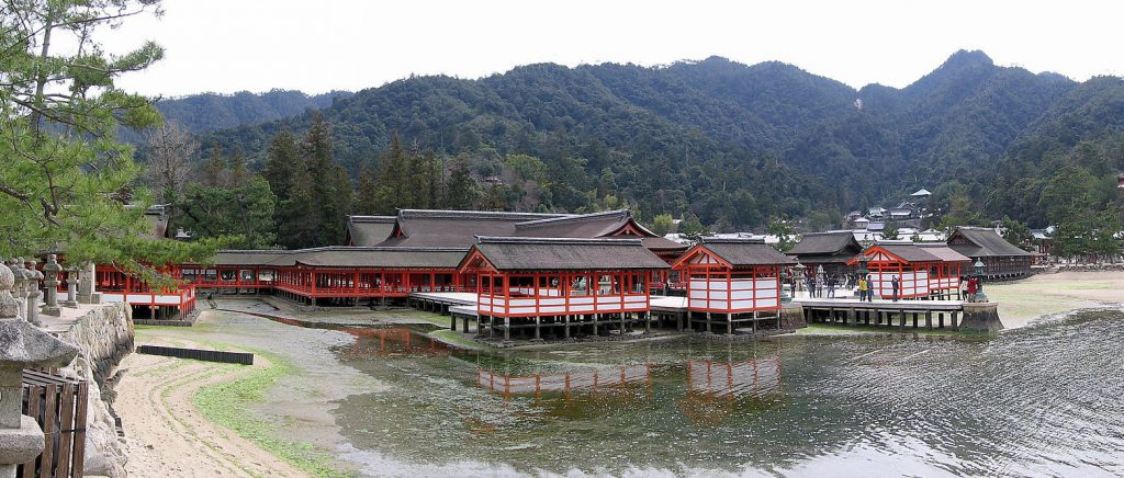 広島県 国宝・世界文化遺産「厳島神社」