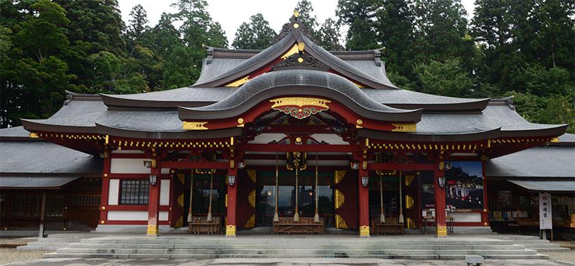 盛岡八幡宮の社殿