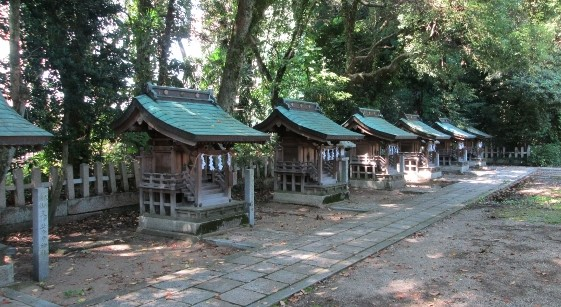 摂社(境内にある小さな神社)