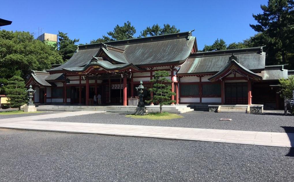 福井県敦賀市 気比神宮の境内