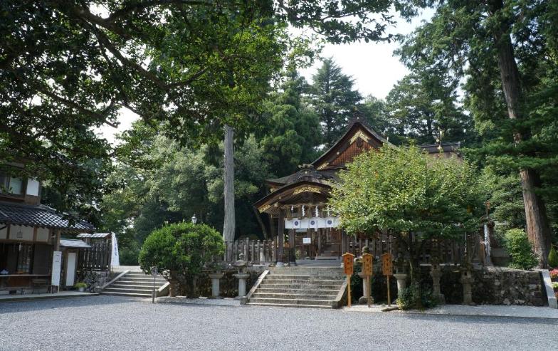 鳥取県鳥取市 宇倍神社の境内