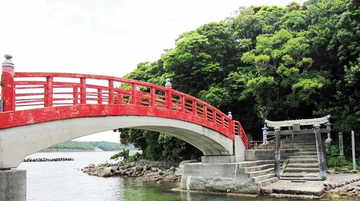 鹿児島県いちき串木野市にある照島(てるしま)神社